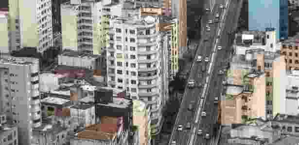 28.abr.2017 - Vista aérea do Minhocão, na região central de São Paulo, nesta sexta-feira, dia de greve geral e paralisações em todo o Brasil - Keiny Andrade/Folhapress - Keiny Andrade/Folhapress