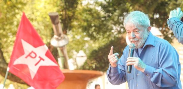 O ex-presidente Luiz Inácio Lula da Silva (PT) participa de caravana no Sul do país