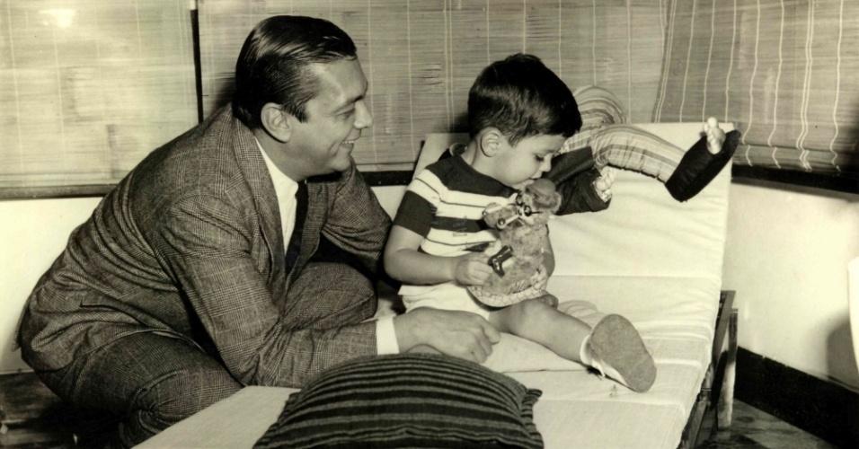 Filho do publicitário e ex-deputado federal João Doria e de Maria Sylvia Vieira de Morais Dias Doria, o ex-prefeito de São Paulo morou com a família em Paris por 2 anos, logo após o golpe militar em 1964, quando seu pai teve o mandato cassado