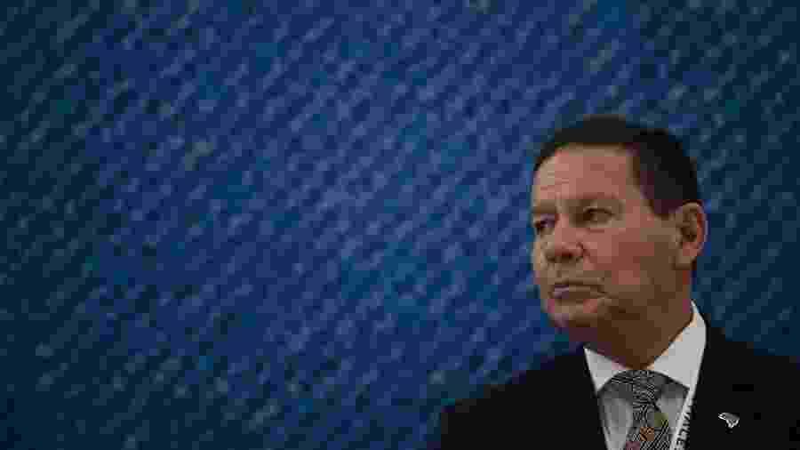 2.abr.2019 - O vice-presidente Hamilton Mourão  - Mauro Pimentel/AFP