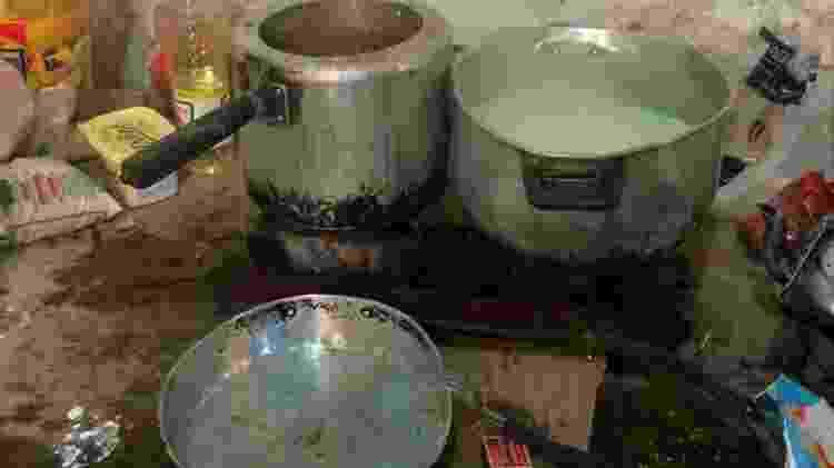 Os trabalhadores da Vaquejada de Serrinha também tinham que cozinhar e se alimentar no curral, ao lado das fezes dos animais  - Gerusia Barros/Auditoria Fiscal do Trabalho