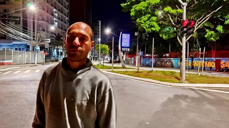 Rodrigo Antonio da Silva, 37, morava ao lado de Adriana, que morreu de frio perto da rodoviária do Tietê, em São Paulo - Marcelo Oliveira/UOL - Marcelo Oliveira/UOL