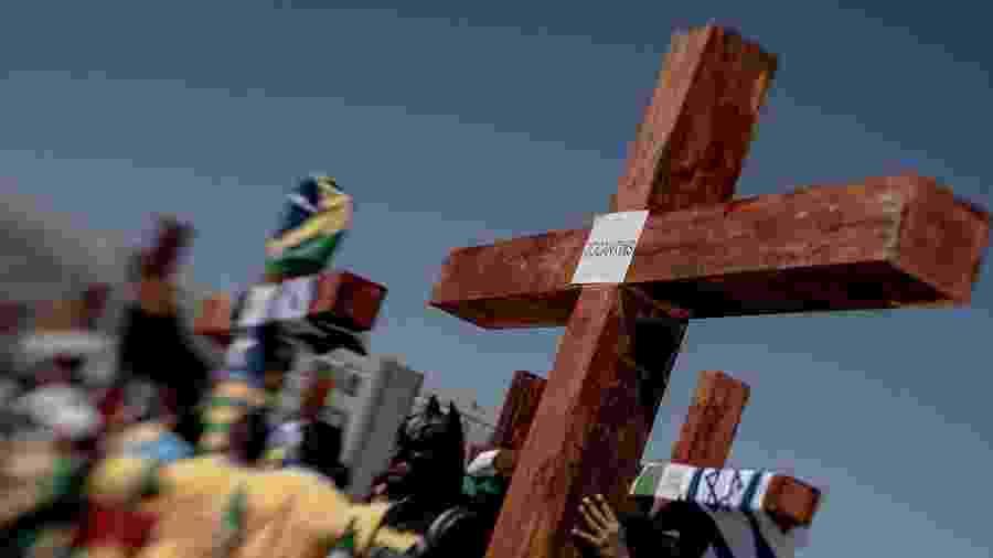 Passeata de grupos evangélicos em defesa do governo de Jair Bolsonaro em Brasília - Jacqueline Lisboa/Agif/Estadão Conteúdo