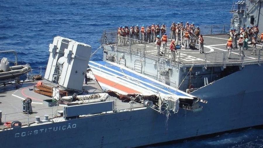 Resgate dos destroços do voo AF-447 da Air France. O avião decolou do RJ com destino a Paris em 2009 - EFE