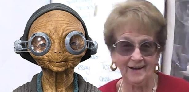 A personagem Maz Kanata, ao lado da professora Rose Gilbert, na qual foi inspirada - Movie Pilot