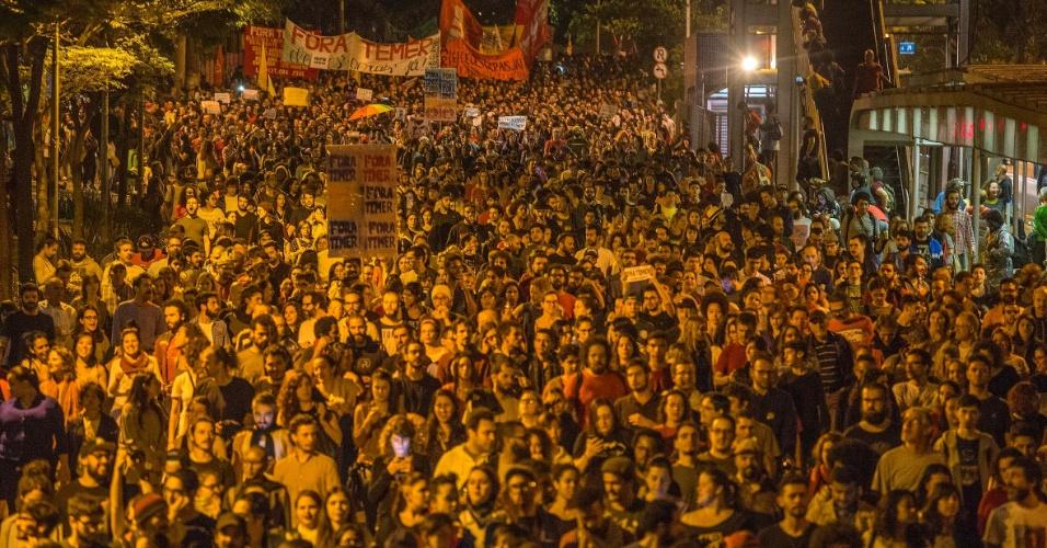 Milhares de manifestantes protestam contra o governo Michel Temer em São Paulo