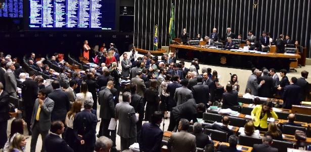 Para juristas, deputados tentaram intimidar o Ministério Público e a Justiça - Zeca Ribeiro/Agência Câmara