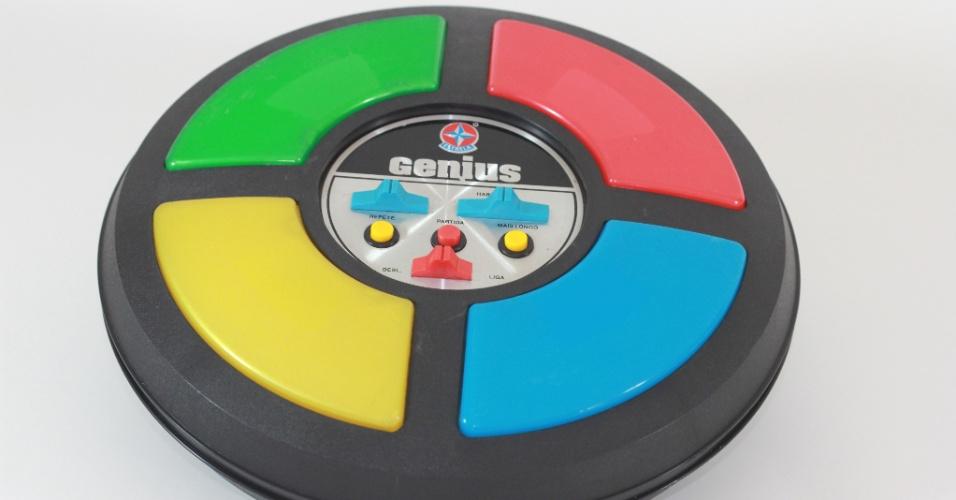 Genius, o primeiro brinquedo eletrônico do país, é lançado em 1980