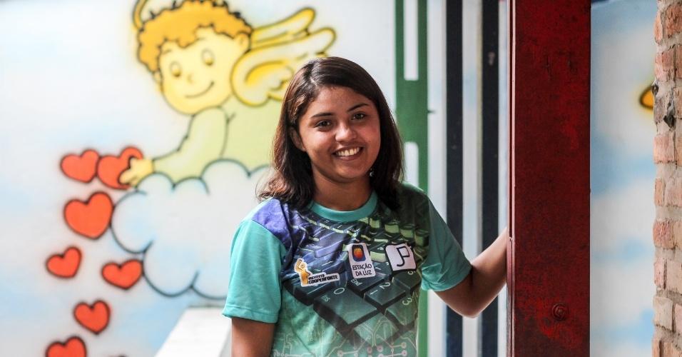 O sonho de Nayara Moreira, 20, é montar uma ONG em Eusébio (CE) para ajudar usuários de drogas