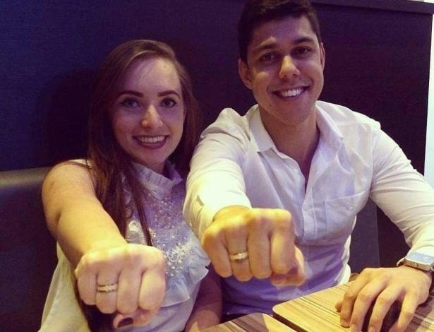 Marilia Rodrigues Alves e Gabriel Degen Couto anunciaram noivado em 2 de setembro