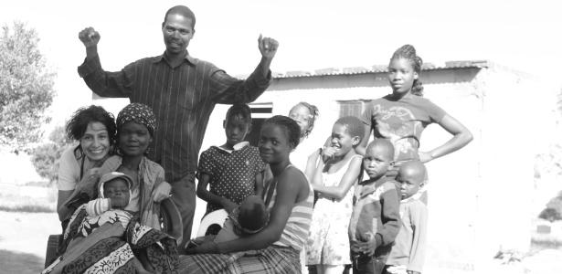 Raquel Bandeira (no canto esquerdo), médica voluntária do MSF em Moçambique