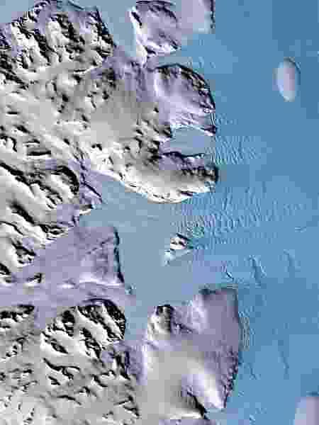 Glaciares às margens do Mar de Weddell na península da Antártida - DLR