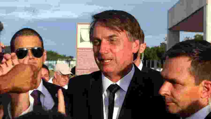 04.jan.2019 - O presidente Jair Bolsonaro deixa o Palácio da Alvorada, em Brasília - ERNESTO RODRIGUES/ESTADÃO CONTEÚDO
