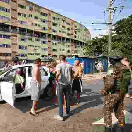 Carro em que músico foi morto ao ser baleado por homens do Exército - 07.abr.2019 - Jose Lucena/Futura Press/Estadão Conteúdo