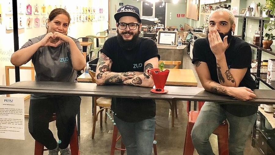Paola Morales, dona do ZUD Café, e funcionários - Divulgação