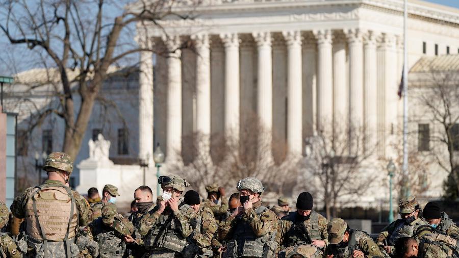 21 mil soldados da Guarda Nacional estão espalhados por Washington - Joshua Roberts/Reuters