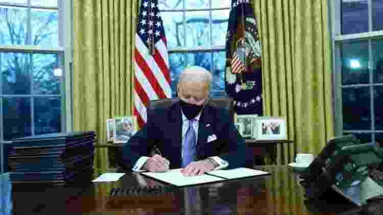O presidente Biden usará seu poder executivo para desfazer algumas das medidas de imigração implementadas por Trump - Reuters - Reuters