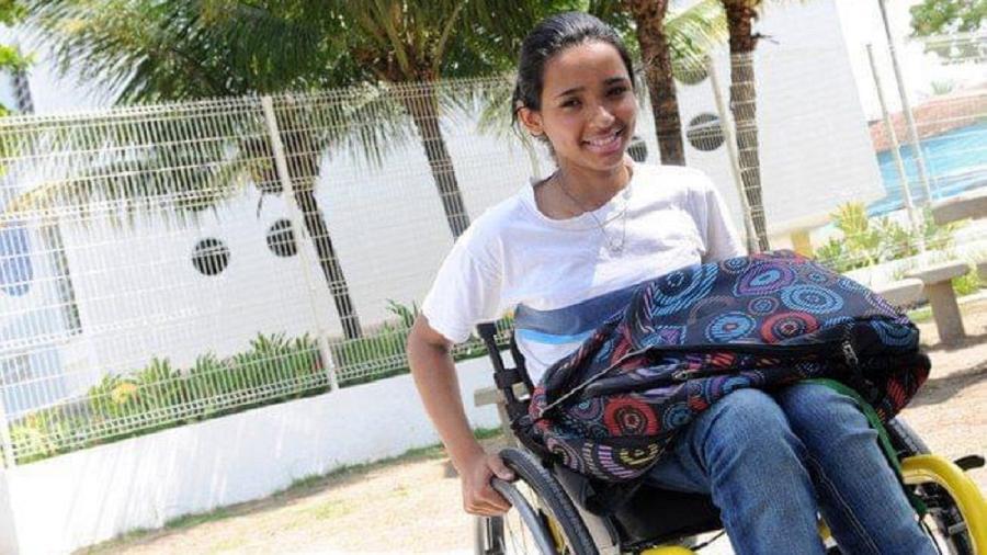 Thayane Tavares, 23, foi uma das sobreviventes do massacre na escola em Realengo; hoje ela estuda Direito - Arquivo pessoal