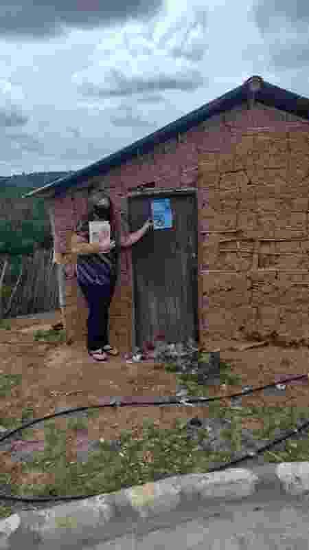 Em cidades do interior do país, educadores têm ido de casa em casa dos estudantes, para conversar com suas famílias e convencê-los não abandonar a escola; acima, visita do projeto Busca Ativa Escolar em Neópolis (SE) - BUSCA ATIVA ESCOLAR NEÓPOLIS -SE - BUSCA ATIVA ESCOLAR NEÓPOLIS -SE