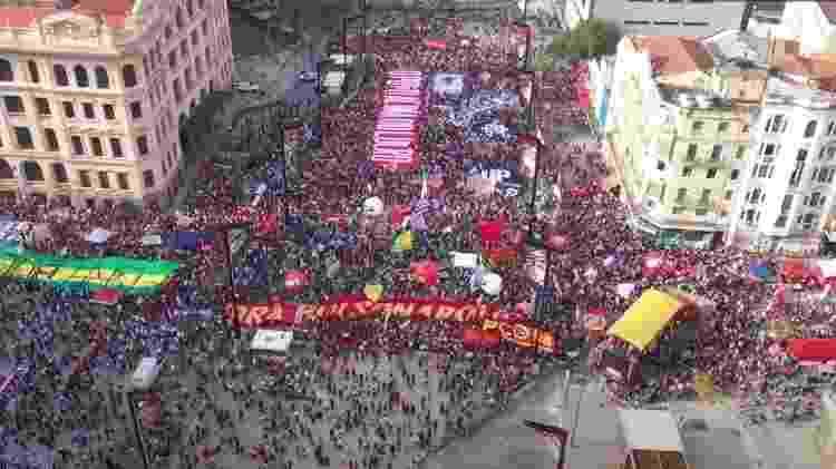 Ato da oposição a Bolsonaro no Anhangabaú no dia 7/9 é quase duas vezes maior que o de 2/10, segundo a SSP-SP - UOL - UOL