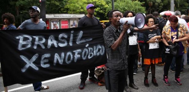 Haitianos e imigrantes protestaram na avenida Paulista contra a xenofobia e o racismo no Brasil