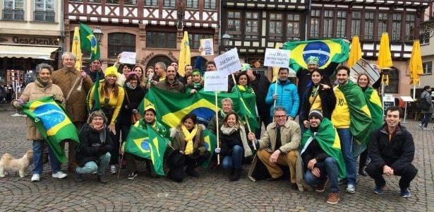 Brasileiros pelo mundo se unem à protestos contra governo Dilma - Tomaz Tauscher/Via WhatsApp
