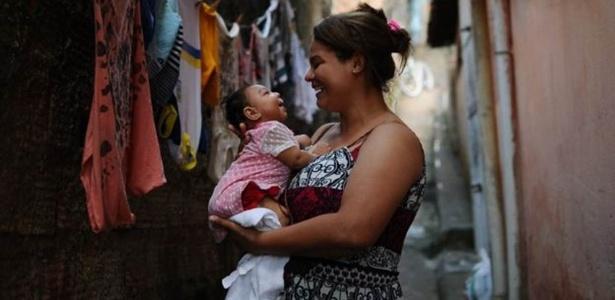 Carla chegou a fazer massagem cardíaca na própria filha, que aspirou o leite materno para o pulmão