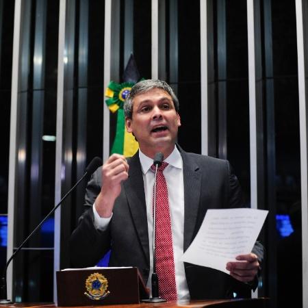 30.ago.2016 - O então senador Lindbergh Farias (PT-RJ) - Jonas Pereira/Agência Senado