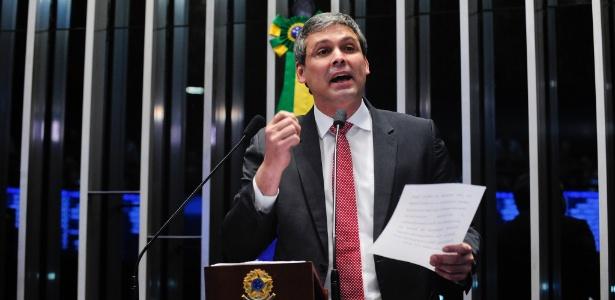 O senador Lindbergh Farias (PT-RJ) afirmou que anulará seu voto na eleição para a presidência do Senado