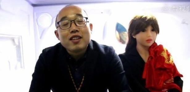 Zheng Jiajia e sua mulher-robô