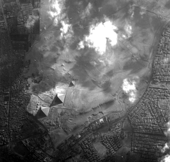 VISTO DO ESPAÇO - Complexo da Pirâmide de Gizé, no Egito, é visto pelo minisaatélite Proba-1 da ESA --agência espacial europeia