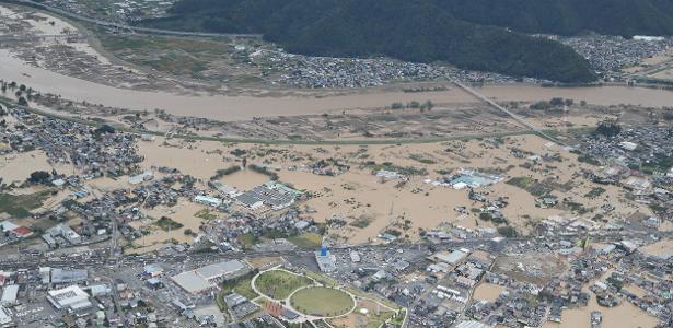 Não afetou GP de F-1 | Passagem do tufão mata ao menos 23 no Japão