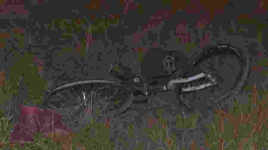 Dois garis que voltavam do trabalho de bicicleta foram atropelados e morreram na BR 020, em Sobradinho (DF) - Reprodução/TV Globo