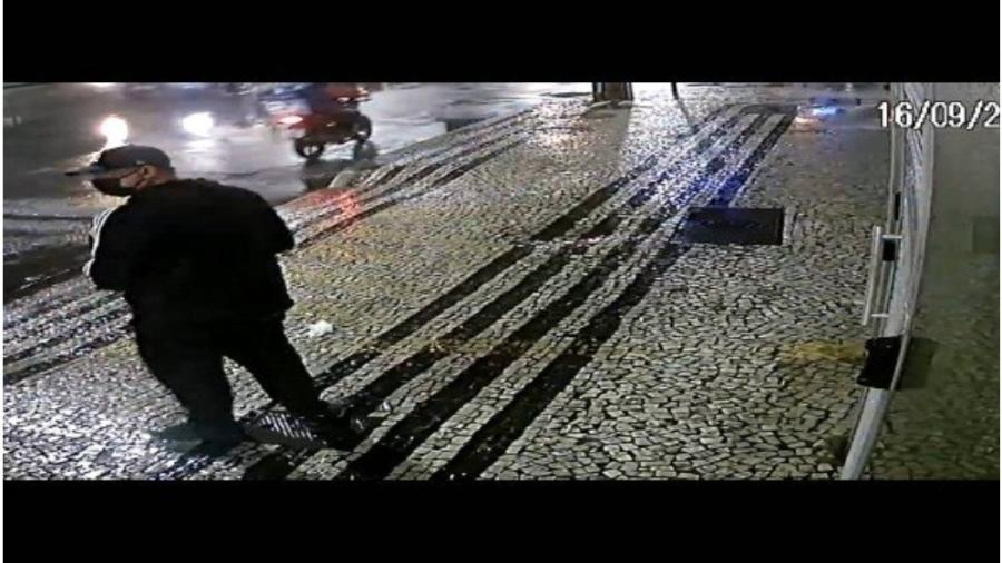 Homem foi flagrado jogando bomba no consulado da China no Rio - Reprodução