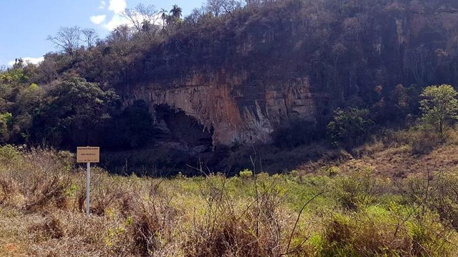A caverna Lapa Vermelha 1, um dos mais importantes sítios arqueológicos das Américas, pode ter parte soterrada pela construção da fábrica de cerveja da Heineken - Divulgação