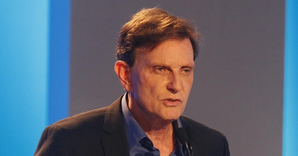 18.out.2016 - O candidato à Prefeitura do Rio de Janeiro Mar celo Crivella (PRB) participa de debate promovido pelo UOL, Rede TV e Veja