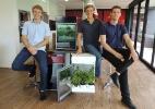 Engenheiros criam estufa de R$ 2.600 para cultivar alface em apartamento (Foto: Luiz Henrique Escopelli/Divulgação)