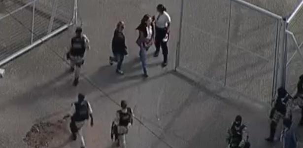 Irmã de Aécio Neves chega a penitenciária em Belo Horizonte (MG) - Reprodução/GloboNews
