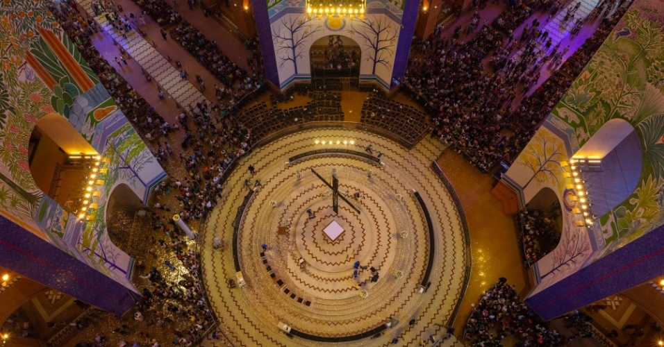 Mais de 200 mil pessoas são esperadas para passar pelo local nesta sexta (12), durante a festividade religiosa