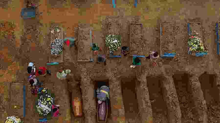 Cemitério Parque Tarumã, em Manaus - Bruno Kelly