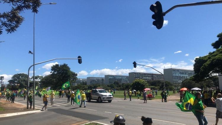 """Manifestantes da """"Marcha da Família Cristã"""" andaram pela Esplanada dos Ministérios na manhã deste domingo (11) - PMDF/Divulgação - PMDF/Divulgação"""