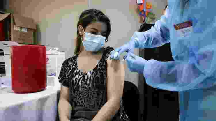 Vacina mais usada no Uruguai é a da Sinovac, idêntica à CoronaVac, mas importada da China - EFE/Raúl Martínez - EFE/Raúl Martínez