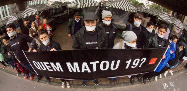 Manifestantes protestam após chacina na Grande São Paulo