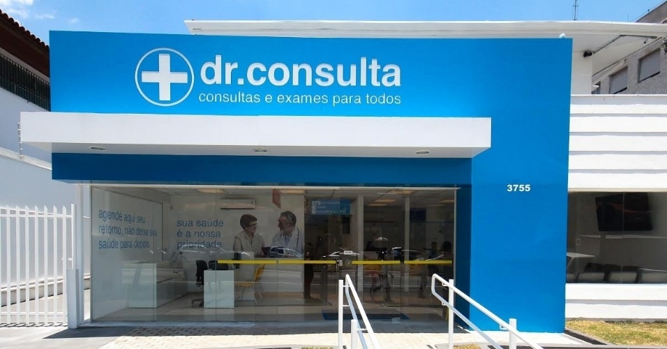 Fachada da clínica dr. consulta, que atua no segmento de exames e consultas médicas e odontológicas a preços populares