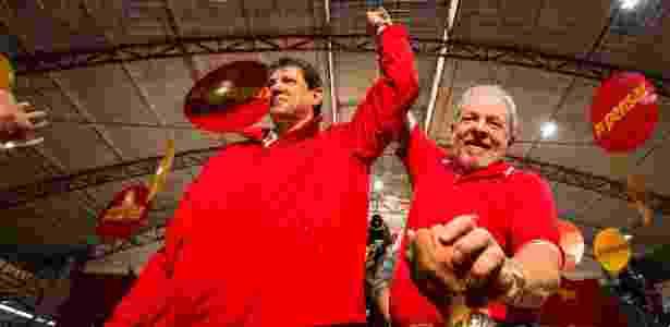 O ex-presidente Luiz Inácio Lula da Silva e o prefeito de São Paulo, Fernando Haddad, durante a Convenção Municipal do PT - Suamy Beydoun/Futura Press/Estadão Conteúdo