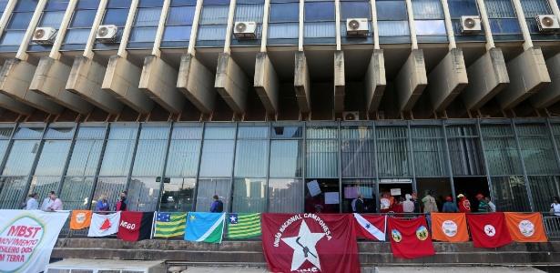 Os manifestantes alegam que querem ser recebidos por um representante do Incra