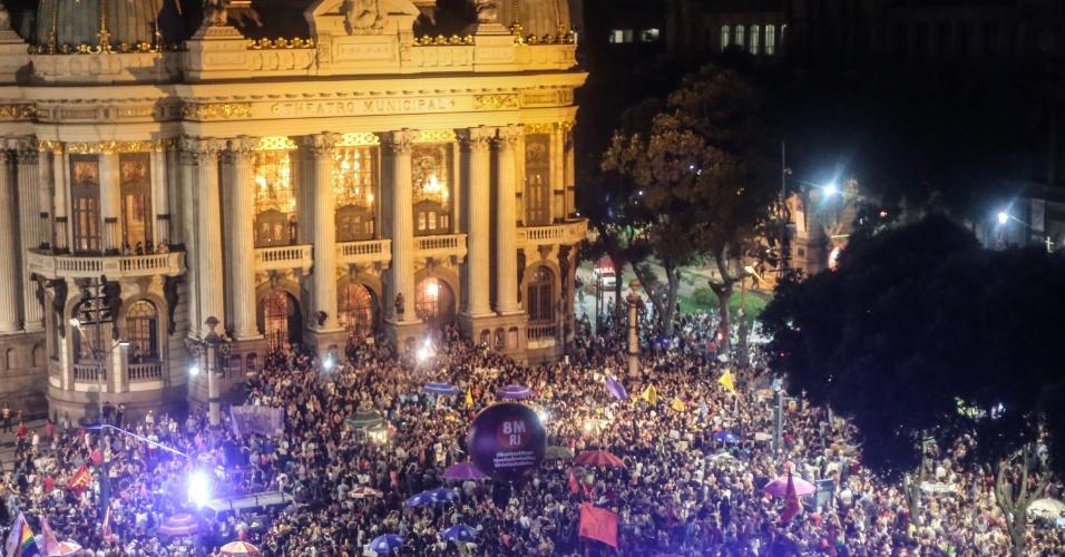 20.mar.2018 - Multidão se reúne no centro do Rio de Janeiro durante ato que marca o sétimo dia da morte da vereadora Marielle Franco (PSOL-RJ) e do seu motorista Anderson Gomes