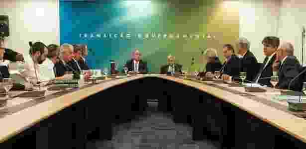 5.nov.2018 - Onyx Lorenzoni (e) e general Heleno, futuros ministros do presidente eleito, Jair Bolsonaro (PSL), conduzem reunião do governo de transição - Romério Cunha /Casa Civil PR