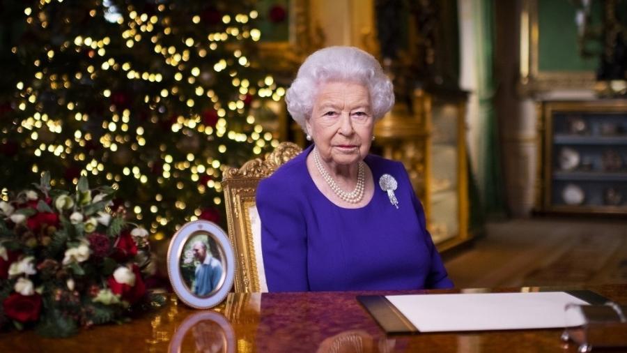 24.dez.2020 - Foto mostra a rainha Elizabeth após ter gravado sua tradicional mensagem de Natal - Victoria Jones/AFP