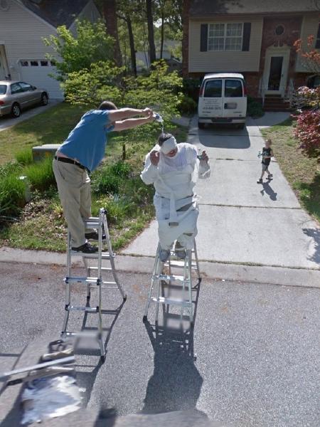 Homens aparecem em cena inusitada no Google Maps - Reprodução/Google Maps